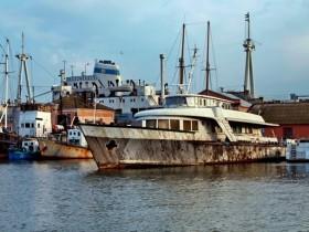 В Одесском порту утонул излюбленный катер Брежнева (фото)