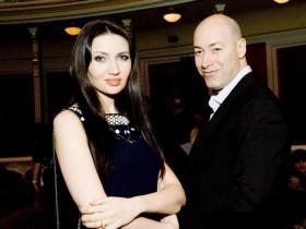 Личная жизнь Дмитрия Гордона: о какой жене он мечтал (ФОТО)