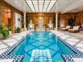бассейн,особняк