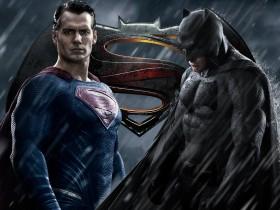 Бэтмена против Супермена