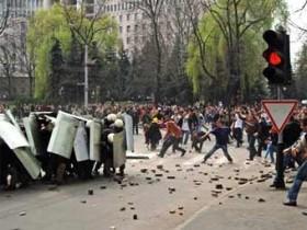 Румыния влезла во внутриполитические проблемы Молдавии