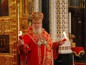 Послезавтра Ющенко почетит 4 церкви