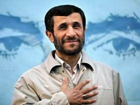 Ахмадинежад пришел на отчизну персонажем