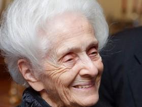 Самой старой нобелевской лауреатке исполнилось 100 лет