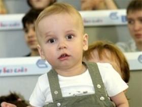 Чехова и Заворотнюк вылечивают больных детей своими чертежами