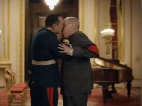Поцелуй Жукова с Хрущевым
