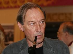 О. Янковский ушел на неотложной медицинской помощи