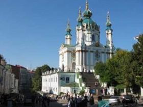 В Андреевской церкви будут вести повседневные богослужения