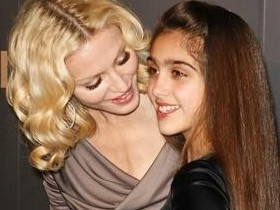 Мадонна стала самой трудолюбивой матерью Голливуда