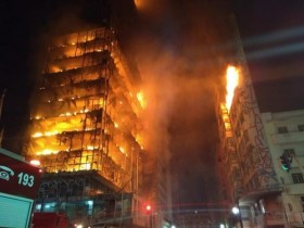 горящий небоскреб