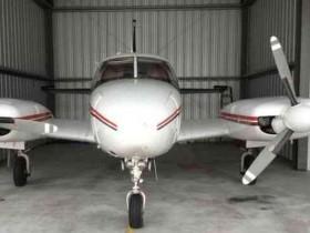 самолет Piper PA31 Navajo