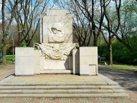 памятник Благодарности советским солдатам
