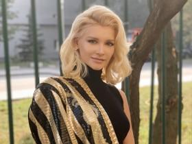 Миша Романова