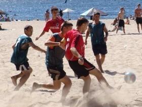 Пляжный,футбол