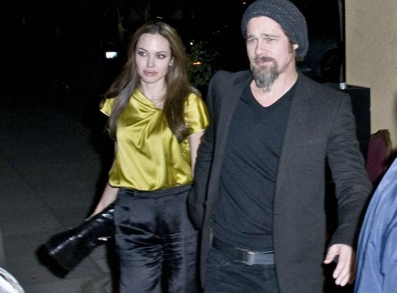 Суд США не считает Джоли и Пита мужем и женой