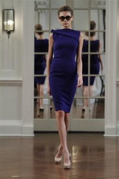 синее облегающее платье. синее платье от Victoria Beckham.