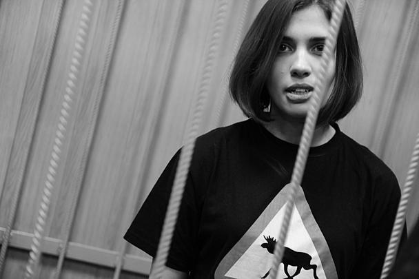 Допускаемой участнице Pussy Riot продлили арест