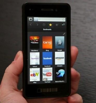Первый телефонный аппарат BlackBerry без клавиатуры