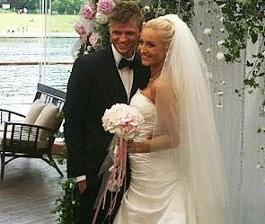 О. Бузова вышла замуж за Д. Тарасова