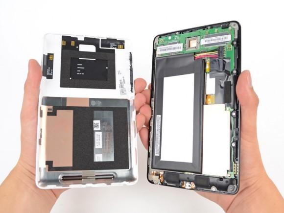 Планшетник Google Nexus 7 в разложенном виде
