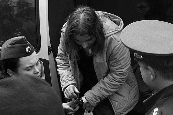 Участниц Pussy Riot доставили в трибунал