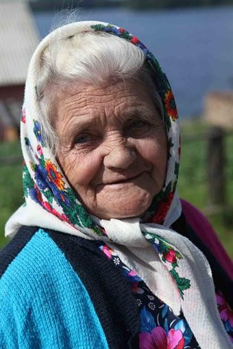 """Бабушка, """"переписавшая хату на кота"""", оказалась из России!"""