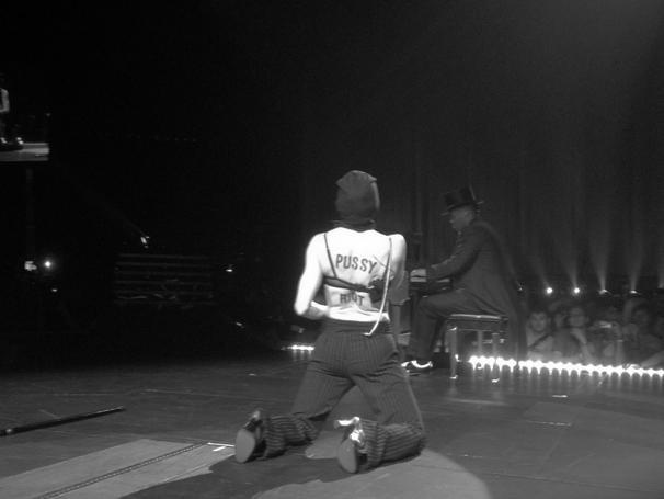 Мадонна на концерте призвала освободить Pussy Riot