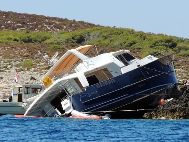 Опьяневший житель России на яхте налетел в славянский полуостров