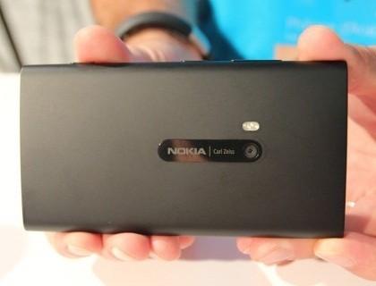 Пресс релиз Windows Phone 8 отстает