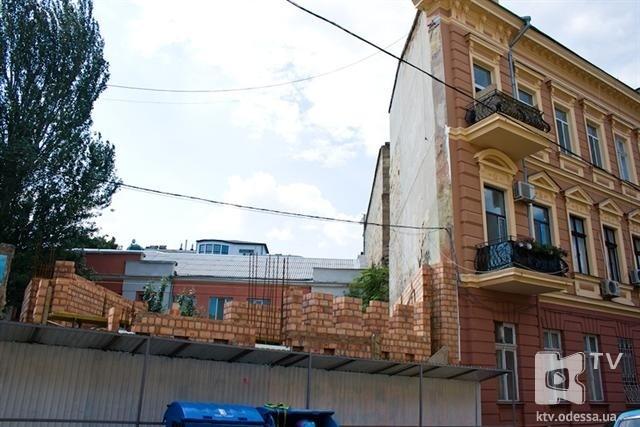 Одесситы выполнят акцию в защиту знаменитого дома-стены