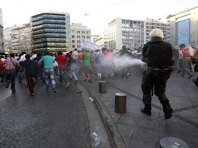 Православные берут штурмом полпредство США в Афинах