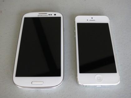 Экран в Айфон 5 по качеству иллюстрации лучше Галакси С III