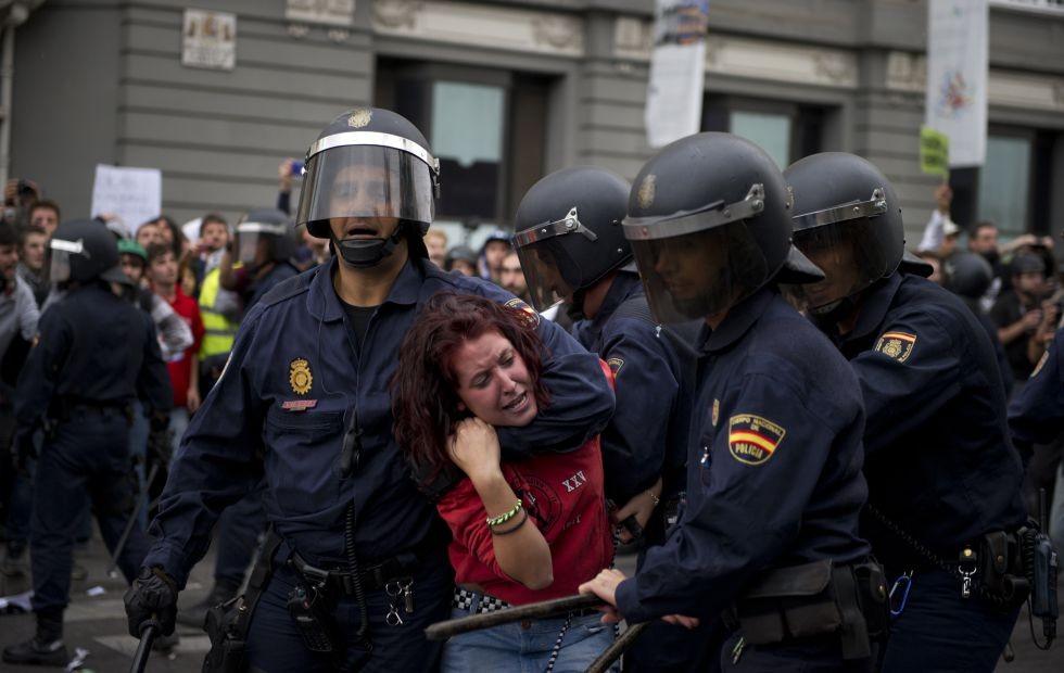 В Мадриде изранены 65 протестующих