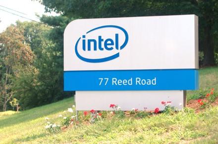 Intel   посылает  на пенсию множество чипов