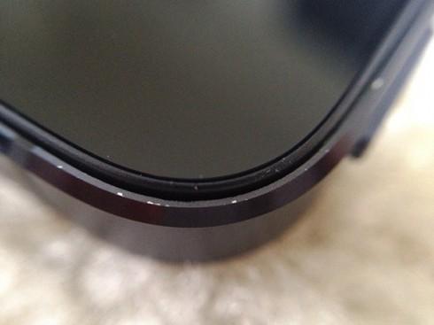 ФОТО: Эпл полагает сколы на Айфон 5 за $1000 это хорошо