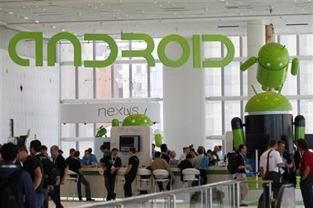 Андроид  контролирует две третьих мобильного рынка