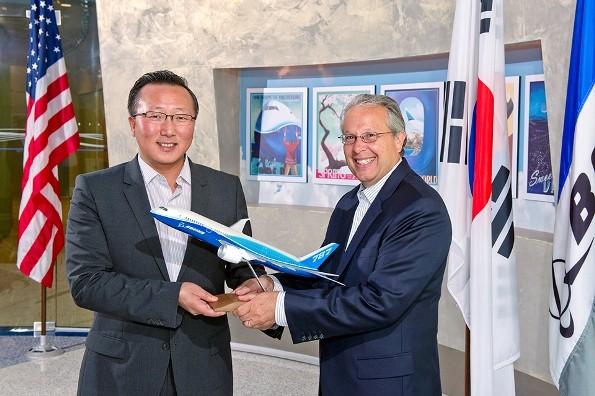Boeing и «Самсунг» Электроникс стали компаньонами