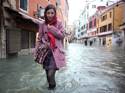 Фирмы заработали на наводнении в Венеции