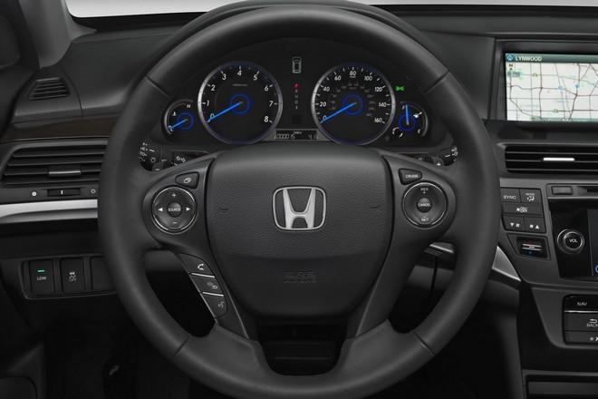 Хонда Кросстур протянула собственный первый редизайн