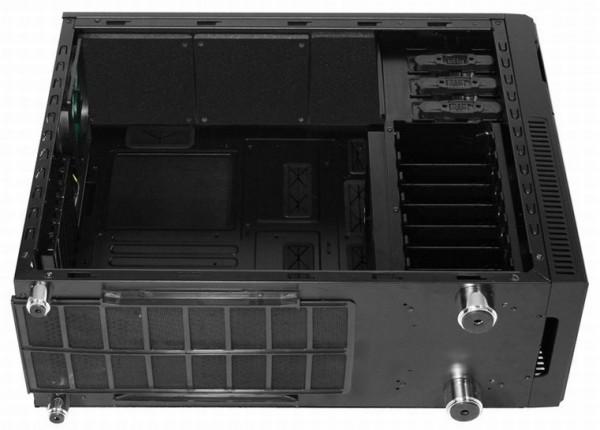 Nanoxia продемонстрировала компьютерный чемодан Deep Silence 2
