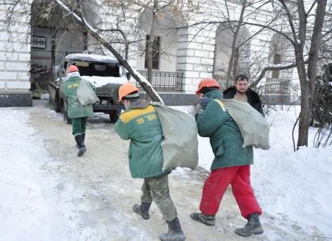 Гостиничный двор в Киеве завоевали незнакомые