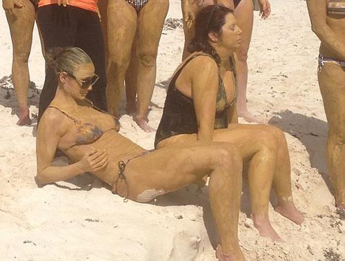 На диком пляже секс