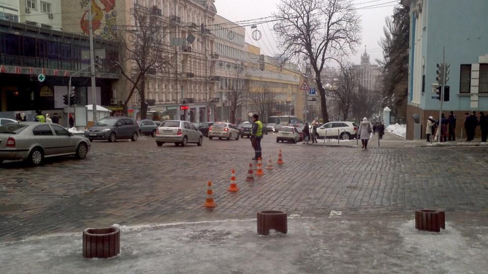 В центре Киева организовался синтетический автотранспортный кризис