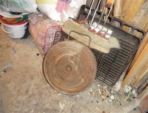 Севастополец выкопанную мину принес домой