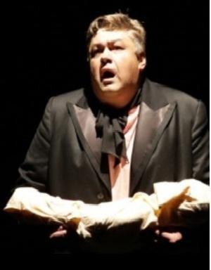 В Киеве напрямую на сцене скончался артист Александр Бондаренко