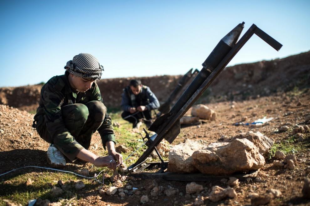 Повстанцы Сирии обеспечиваются сделанным своими руками ружьем