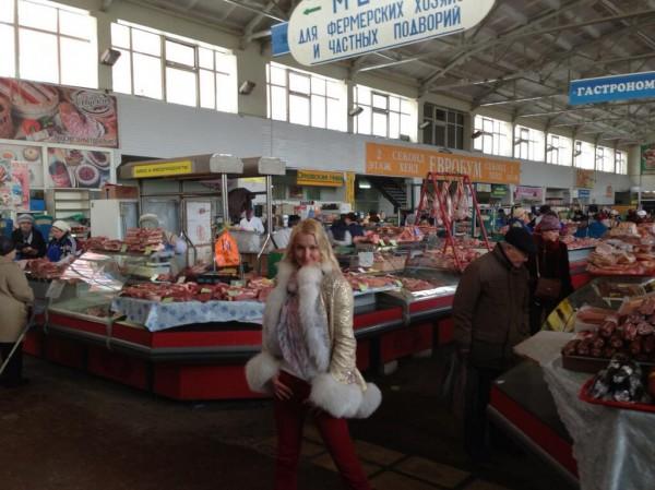 Волочкова организовала фотосессию на продуктовом рынке ФОТО