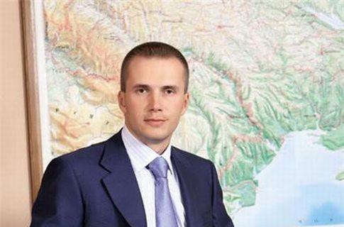«Укрзализныця» берет займы в банке Януковича старшего