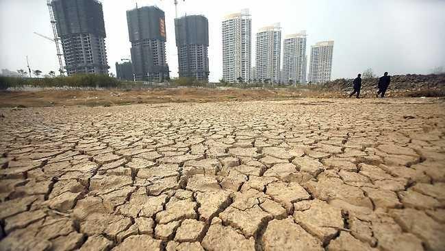 Китайцы страдают от нехватки жидкости. Пропало около 28 000 речек