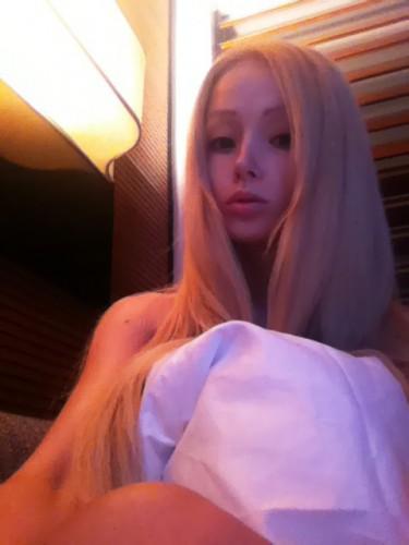 Одесская Барби продемонстрировала, как она смотрится без грима (фото)